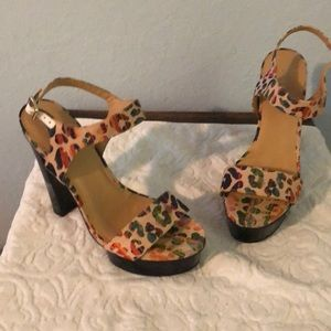 New Nine West platform heels size 8.5